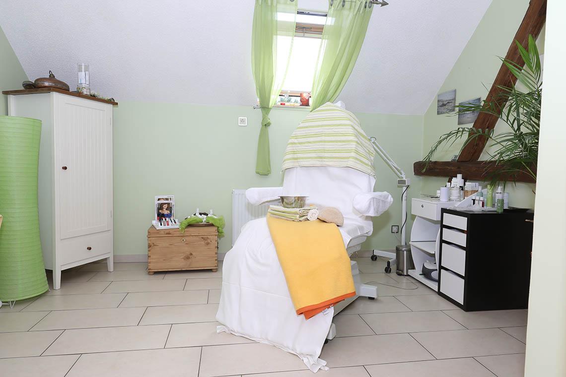 Friseur-Reinsdorf-Salon-Kosmetik